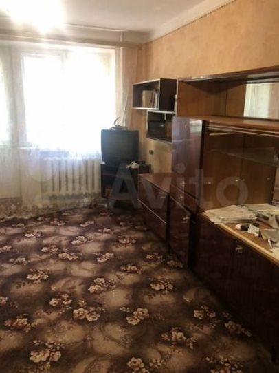 Продается двухкомнатная, г. Балашов, ул. Софинского, цена 1 млн 300 тысяч рублей